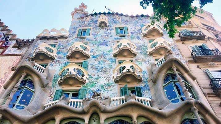 Tour Virtual Por La Obra De Gaudí